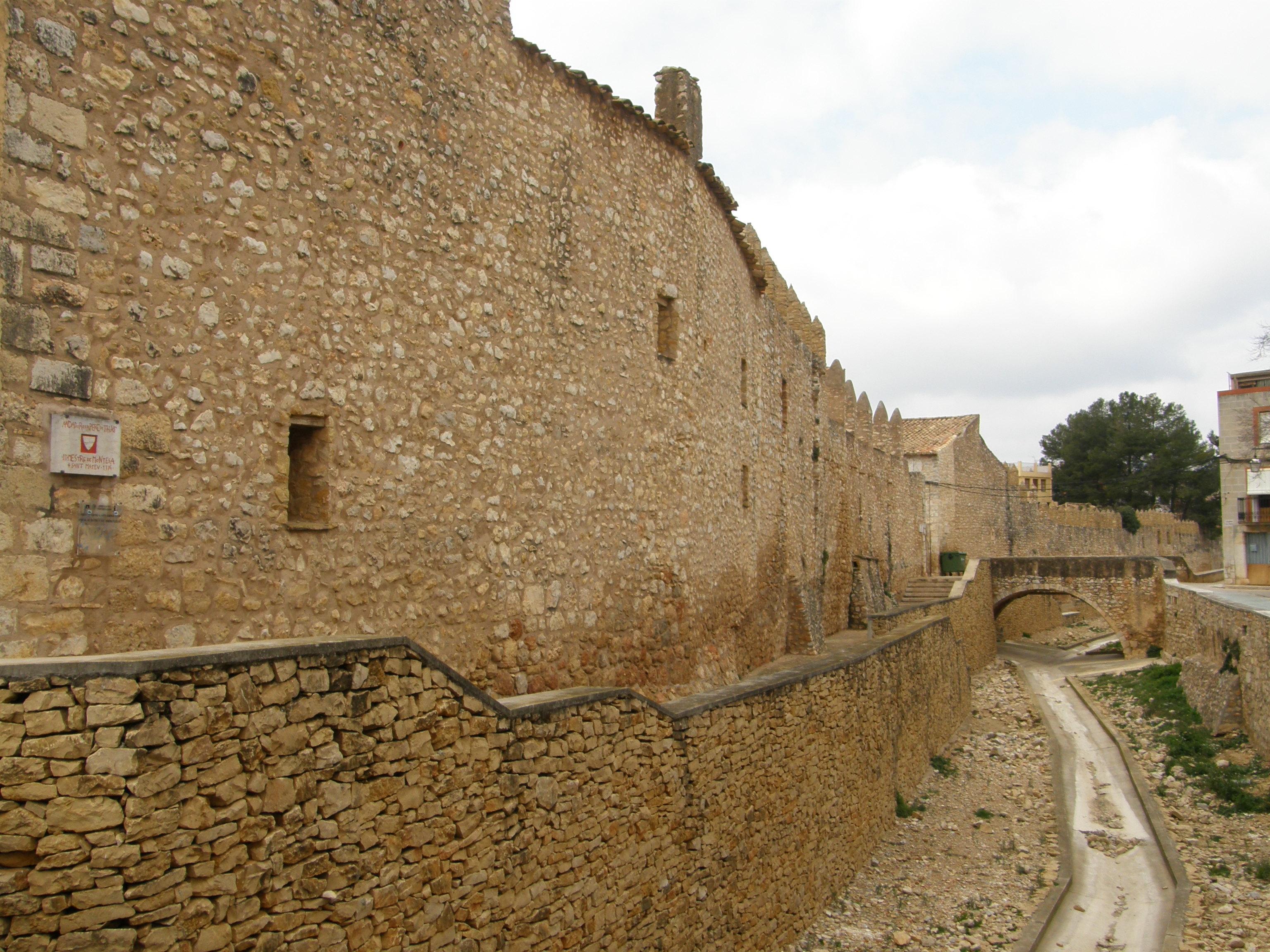 Muralla de Sant Mateu